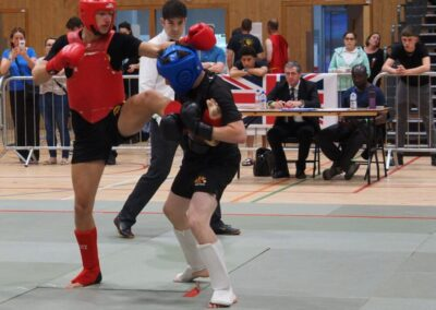 SSK youth fighter in very hard Semi Final fighter against much taller opponent