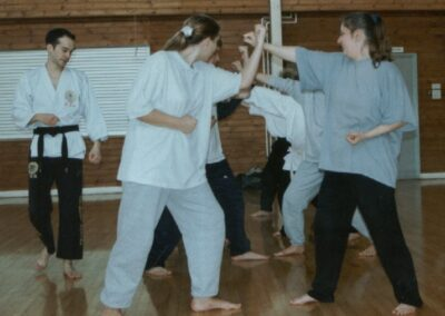 Dave teaching beginners 3 step fixed sparring in the 90s
